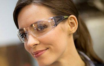 משקפי מגן 3M עם מגוון עדשות לעבודה בטוחה וסינון קרינת UV