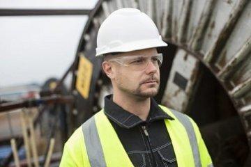 כיצד יודעים מתי מחליפים קסדת מגן? | טיפים לבטיחות בעבודה